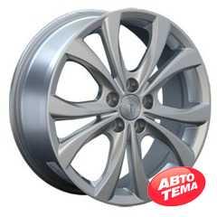 Купить REPLAY MZ23 Silver R18 W7.5 PCD5x114.3 ET50 HUB67.1